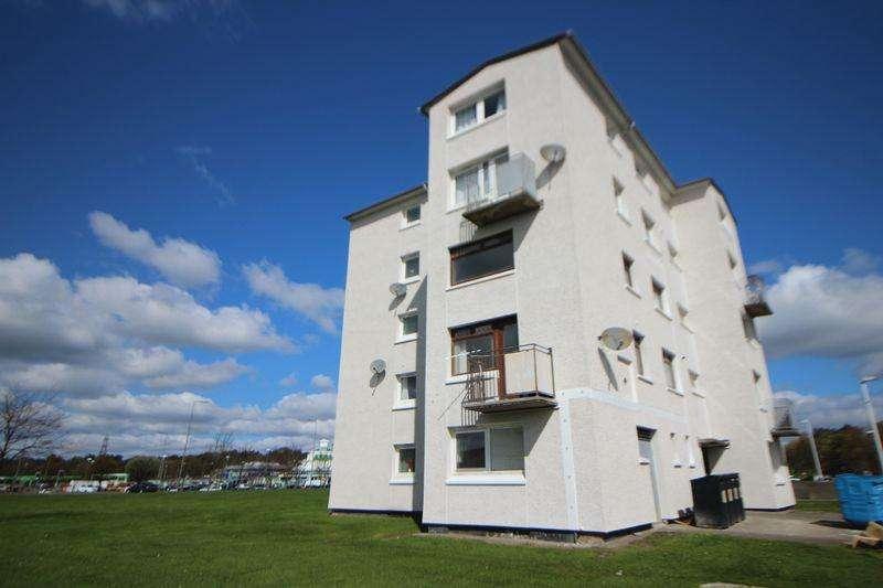 2 Bedrooms Flat for sale in Earn Road, Kirkcaldy