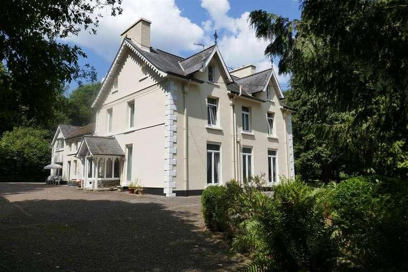 9 Bedrooms Detached House for sale in Rhosmaen, Llandeilo