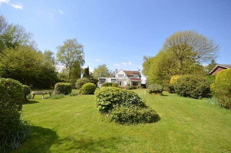 5 Bedrooms Detached House for sale in Pear Tree Lane, Shorne, Gravesend, DA12