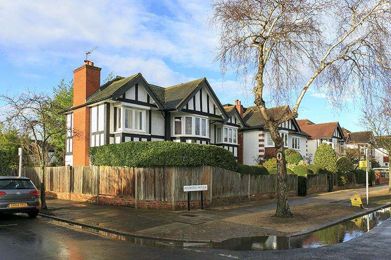 5 Bedrooms Detached House for sale in Pensford Avenue, Richmond TW9