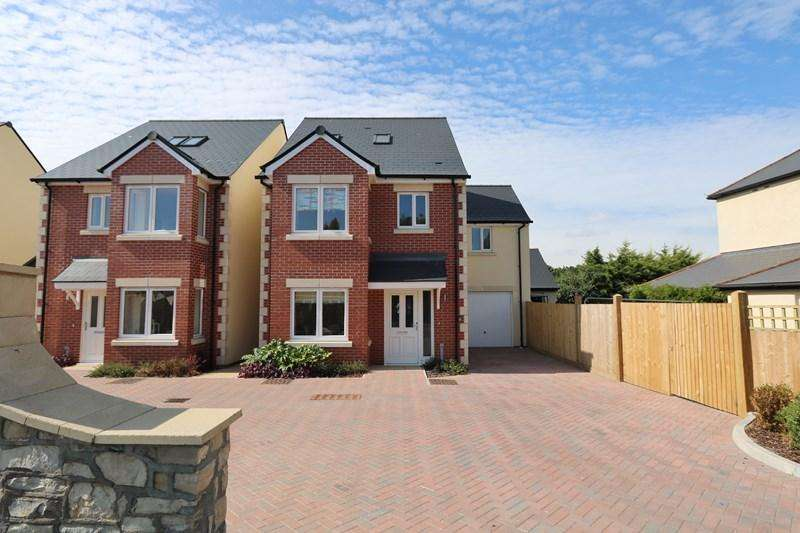 4 Bedrooms Detached House for sale in Bath Road, Keynsham, Bristol