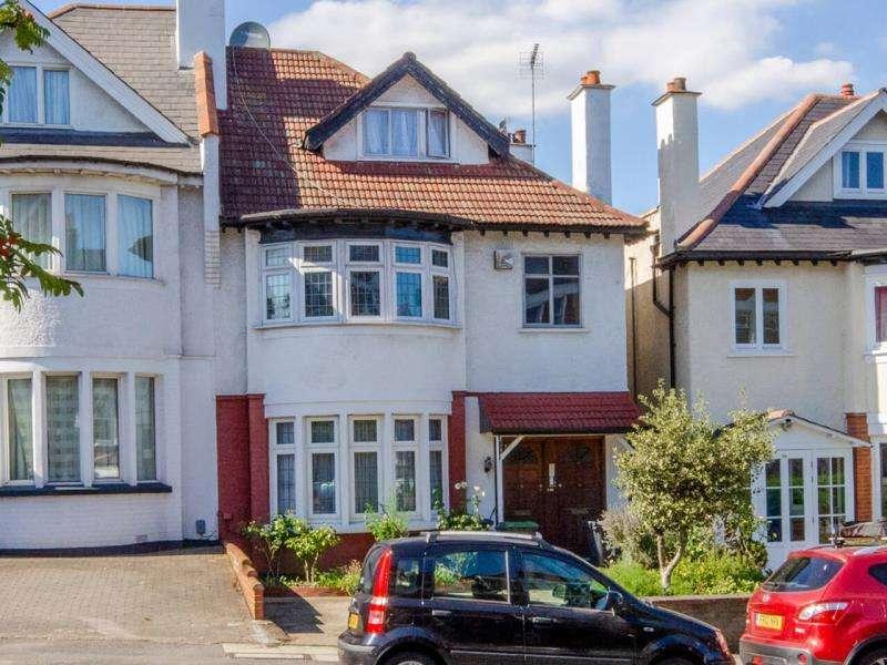 3 Bedrooms Flat for sale in Alexandra Park Road, London N10
