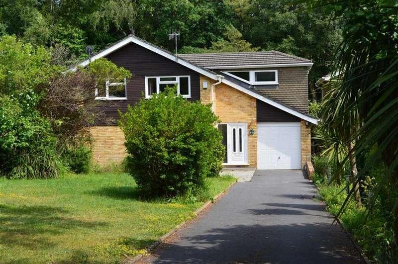 4 Bedrooms Detached House for sale in Badbury Close, Broadstone, Dorset