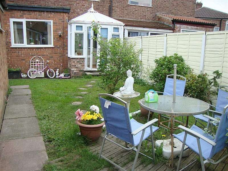 3 Bedrooms Semi Detached House for sale in Ringwood Avenue, Longsight, Manchester