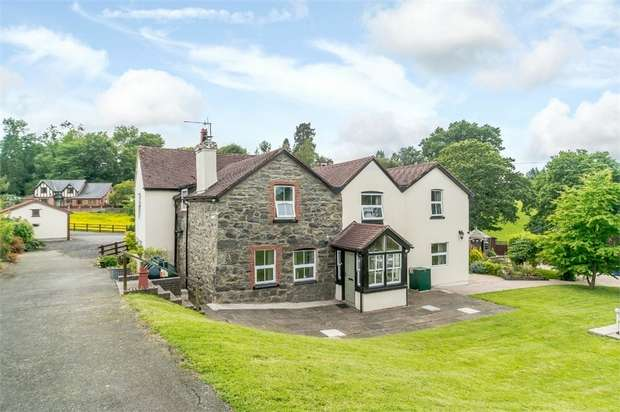 5 Bedrooms Detached House for sale in Groes-Pluen, Groes-Pluen, Welshpool, Powys