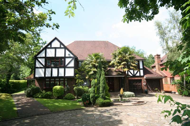 5 Bedrooms Detached House for sale in Russell Road, Moor Park