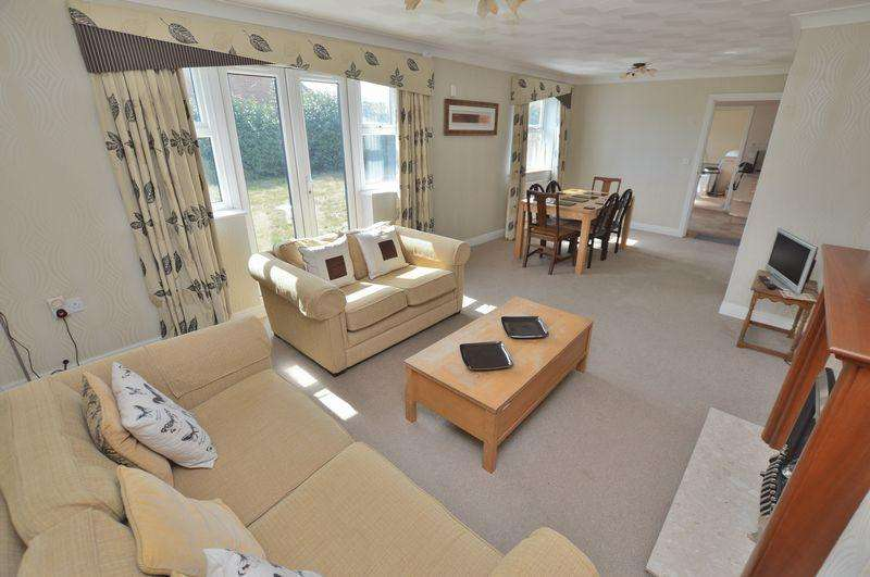3 Bedrooms Detached Bungalow for sale in 1 Woodbridge Way, Woodhall Spa