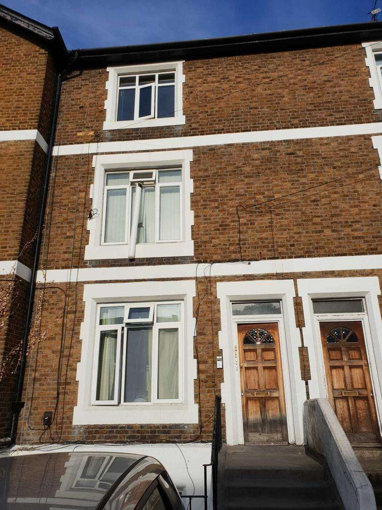 1 Bedroom Flat for sale in Hancroft Street South, Slough