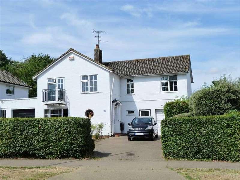 4 Bedrooms Detached House for sale in Knightsfield, West Side, Welwyn Garden City