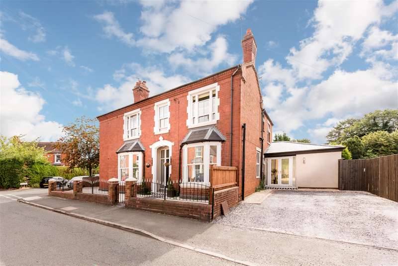 5 Bedrooms Semi Detached House for sale in Clifton Street, Stourbridge, DY8 3XR