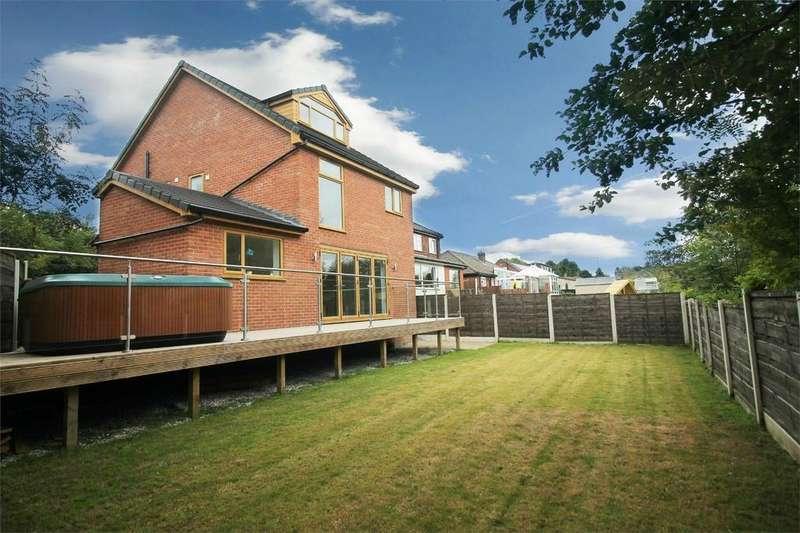 4 Bedrooms Detached House for sale in Delph Lane, Ainsworth, BOLTON, Lancashire