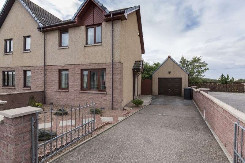 3 Bedrooms Semi Detached House for sale in Corskie Drive, Macduff, Aberdeenshire, AB44 1QW