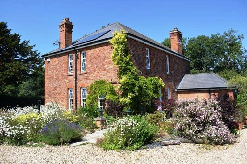 4 Bedrooms Detached House for sale in Wells House, Wells Road, Healing