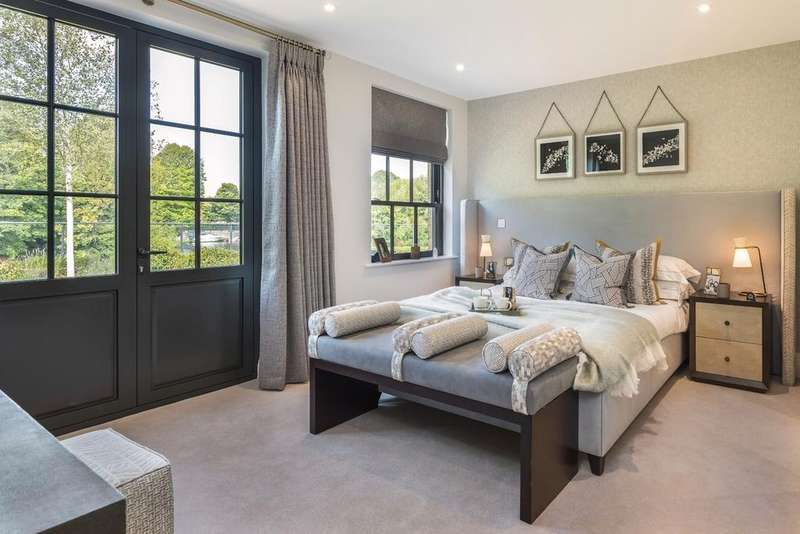 3 Bedrooms Apartment Flat for sale in Taplow Riverside, Mill Lane, Taplow