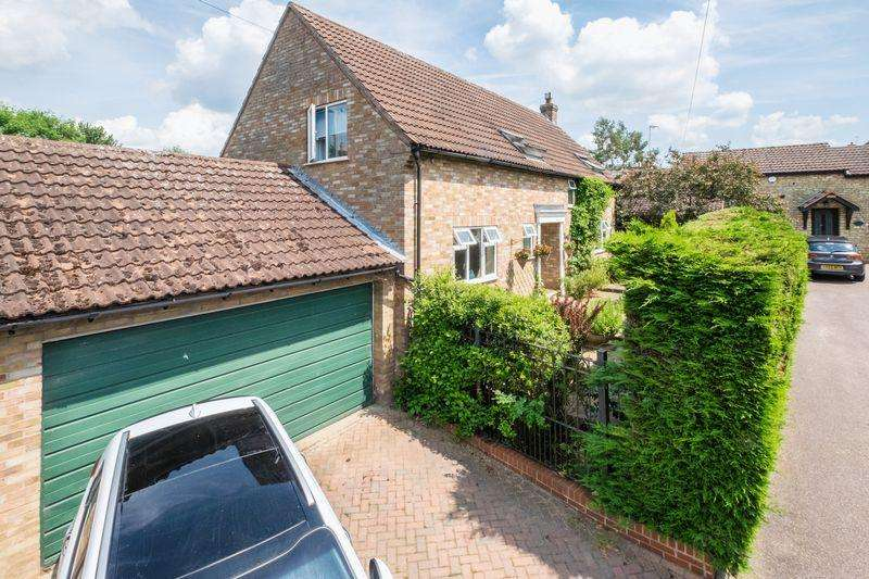 4 Bedrooms Detached House for sale in Manor Farm, Wymington