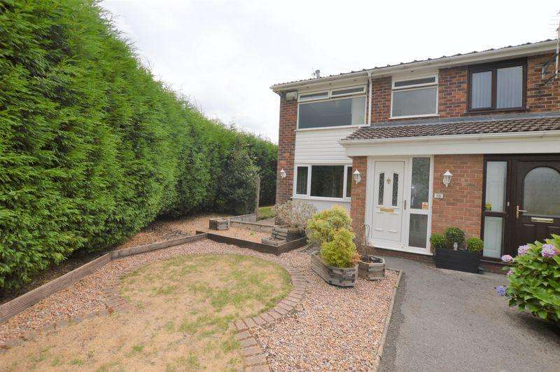 3 Bedrooms Semi Detached House for sale in Green Hill Road, Godley, Hyde
