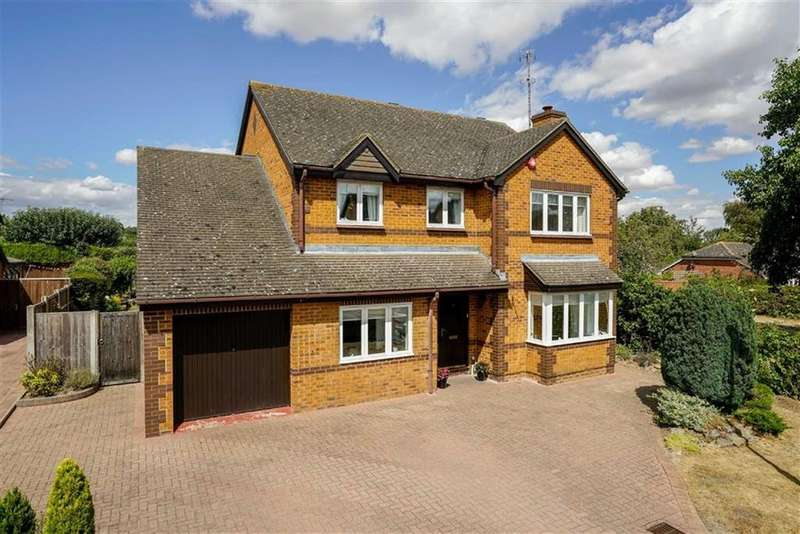 4 Bedrooms Detached House for sale in Rowan Grove, Hitchin, Hertfordshire