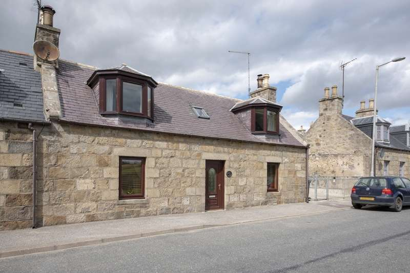 2 Bedrooms Semi Detached House for sale in South Street, Aberchirder, Huntly, Aberdeenshire, AB54 7XR