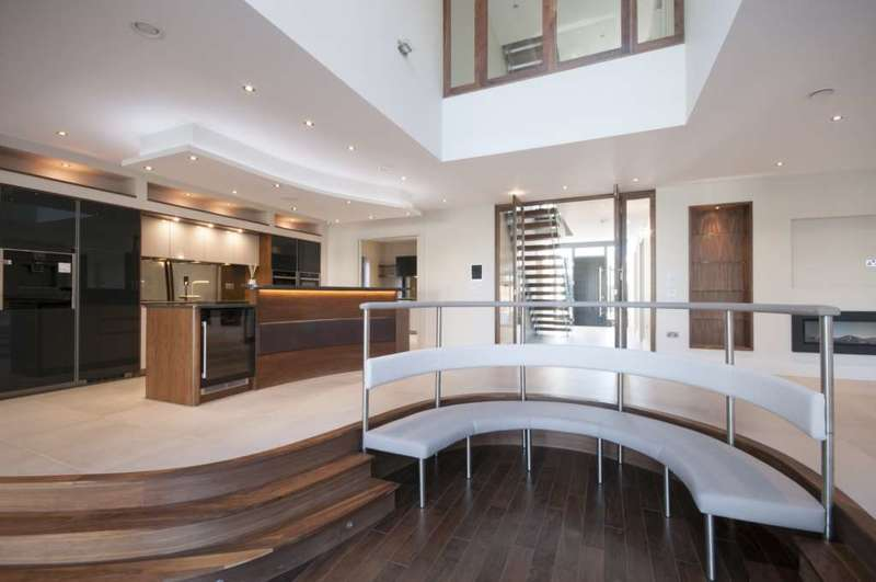 7 Bedrooms Detached House for sale in Nelmes Way, Emerson Park