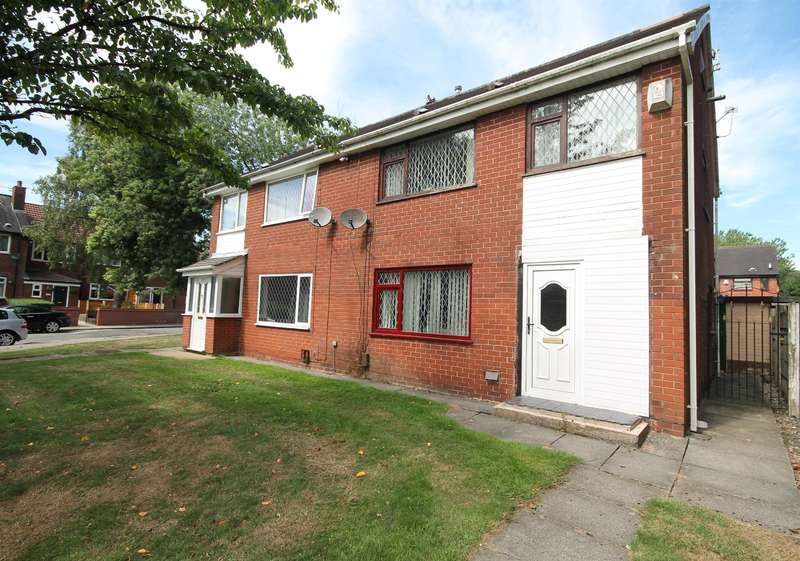 4 Bedrooms Semi Detached House for sale in Finch Avenue, Farnworth, Bolton, BL4 0QS