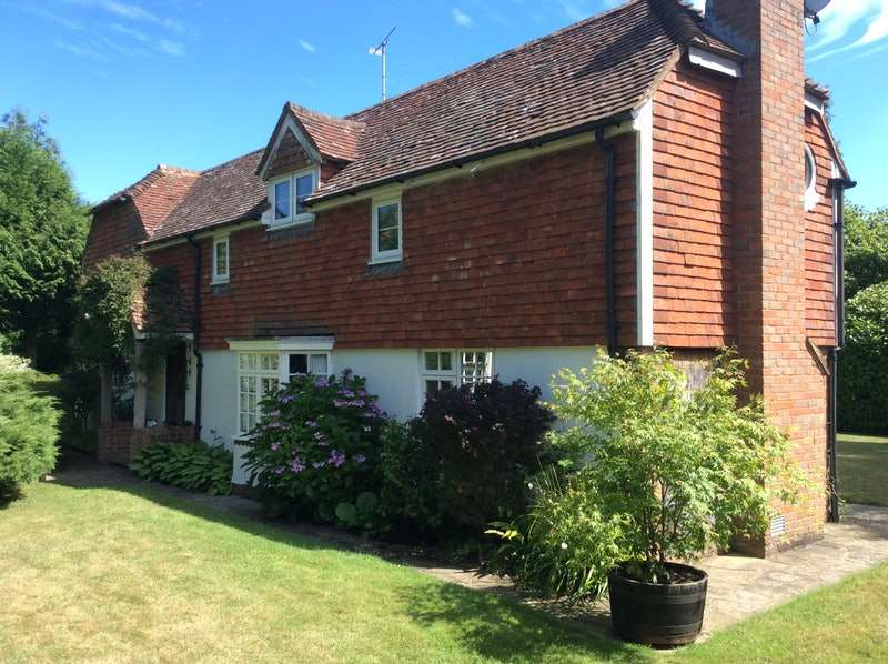4 Bedrooms Detached House for sale in Ludpit Lane, Etchingham, East Sussex, TN19