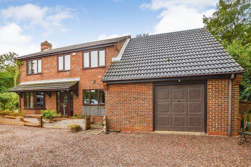 3 Bedrooms Detached House for sale in Main Road, Spalding