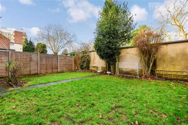 2 Bedrooms End Of Terrace House for sale in Brading Crescent, Wanstead