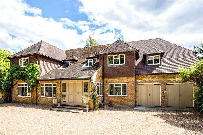 6 Bedrooms Detached House for sale in Grange Drive, Wooburn Green, High Wycombe, Buckinghamshire, HP10