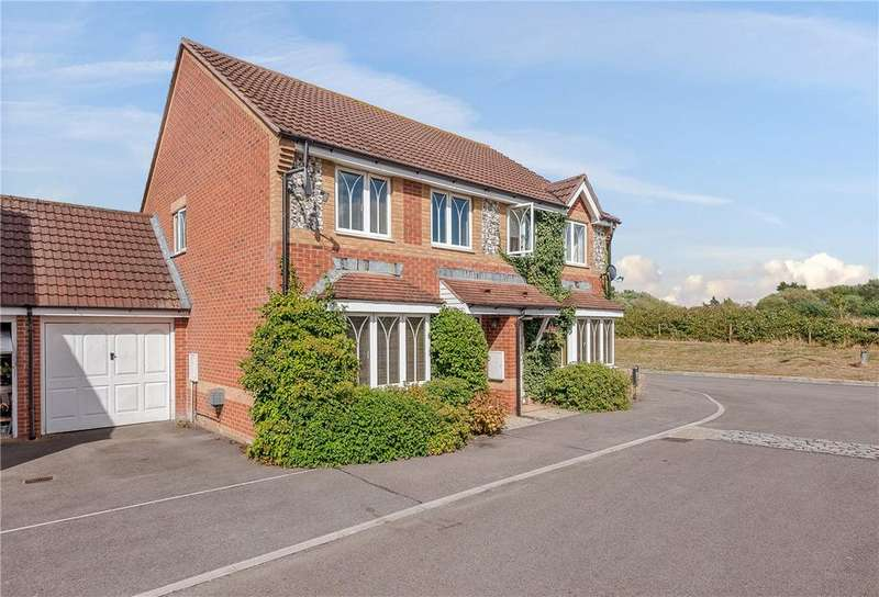 3 Bedrooms Semi Detached House for sale in Stirrup Close, Newbury, Berkshire, RG14