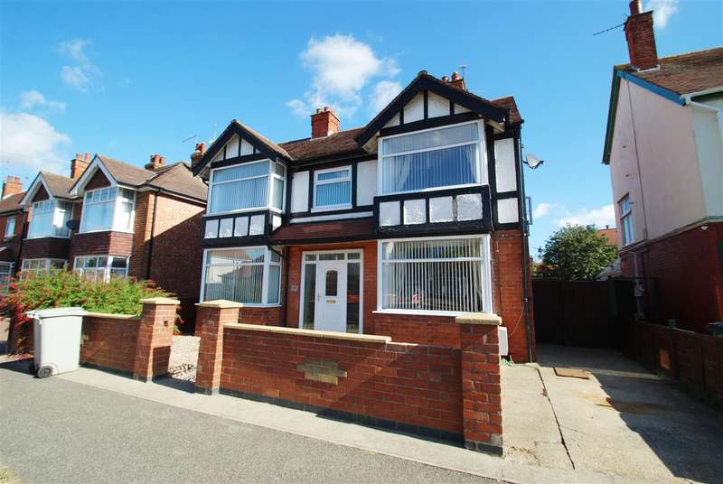 4 Bedrooms Detached House for sale in Sandbeck Avenue, Skegness