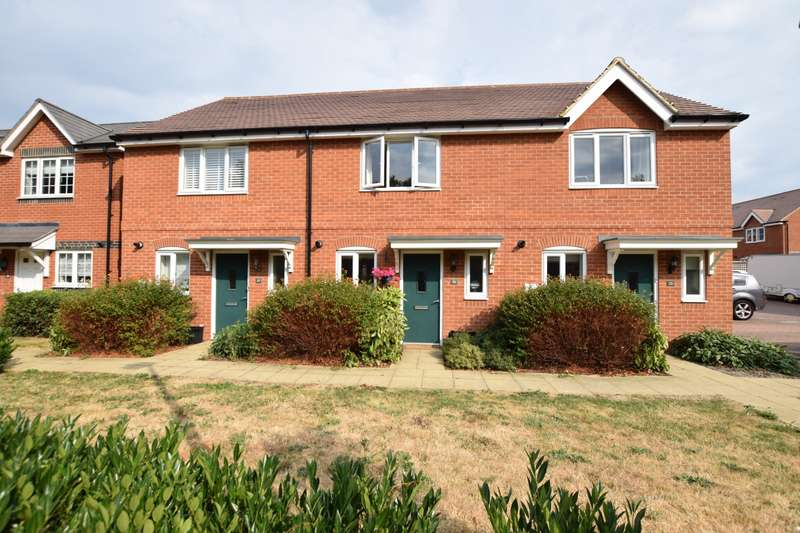 2 Bedrooms Terraced House for sale in Elk Path, Three Mile Cross, RG7