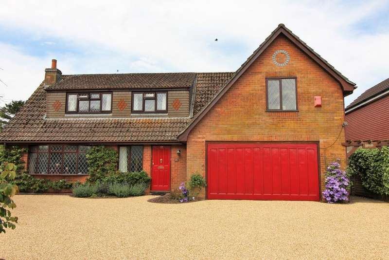 4 Bedrooms Detached House for sale in Green Lane, Clanfield, Waterlooville PO8