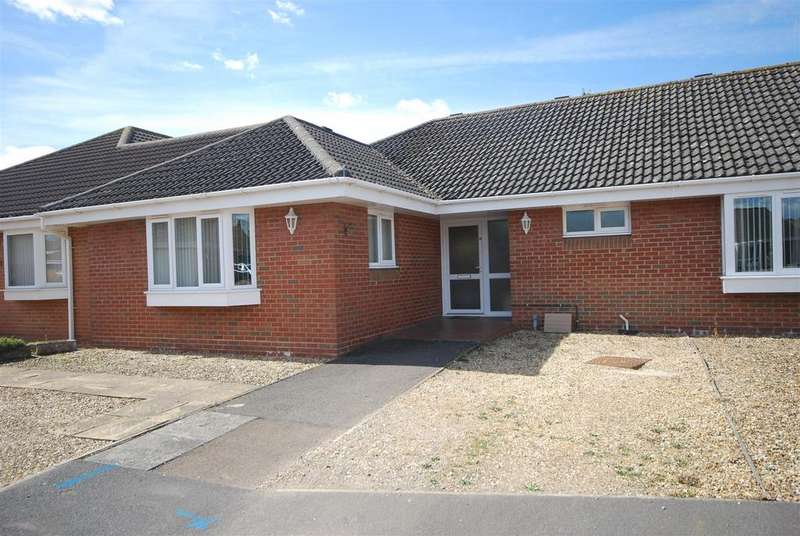 2 Bedrooms Terraced Bungalow for sale in Eaton Gardens, Spalding