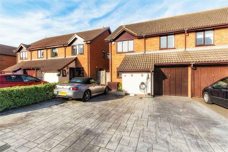 4 Bedrooms Semi Detached House for sale in Gregory Drive, Old Windsor, Berkshire