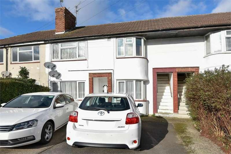 2 Bedrooms Maisonette Flat for sale in Wiltshire Avenue, Slough, Berks