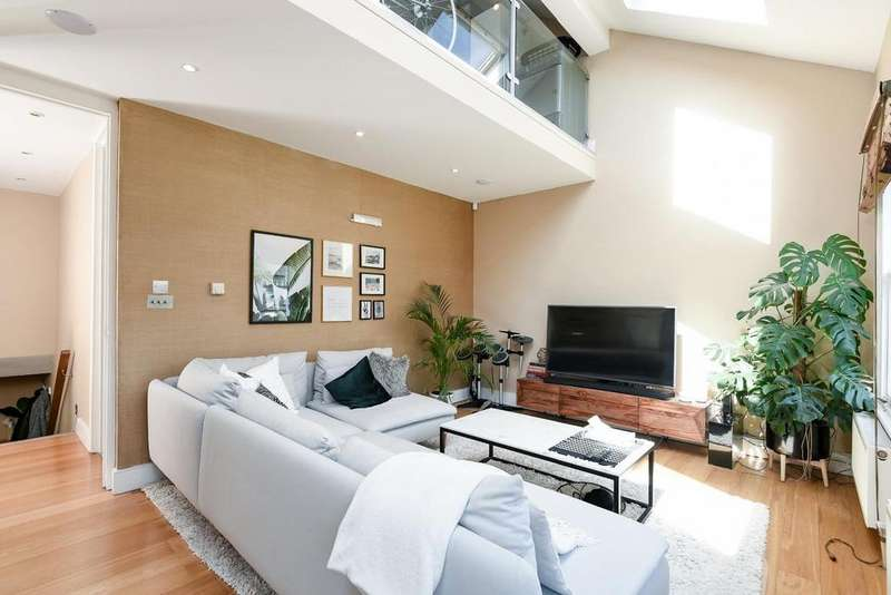 2 Bedrooms Flat for sale in Beauchamp Road, Battersea