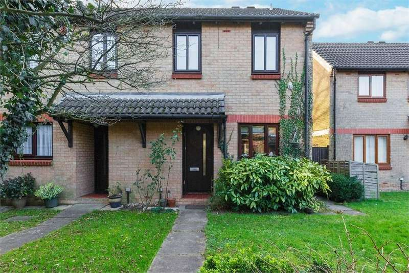 3 Bedrooms Semi Detached House for sale in Cobb Close, Datchet, Berkshire