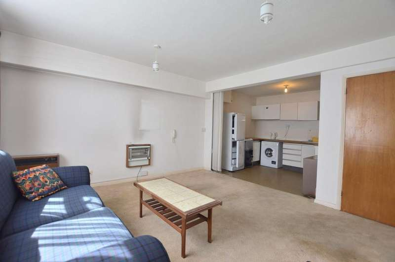 1 Bedroom Flat for sale in Bromley Road London SE6