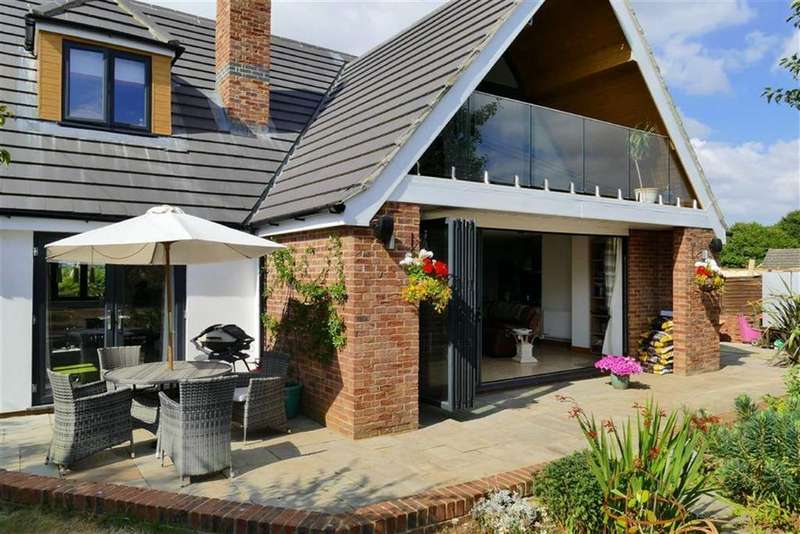 5 Bedrooms Detached House for sale in Norley Lane, Studley, Calne