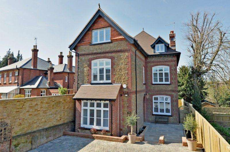 5 Bedrooms Detached House for sale in West Road, Guildford