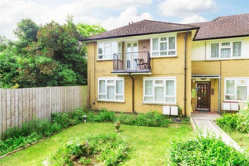 1 Bedroom Flat for sale in Wild Green South, Langley, Berkshire