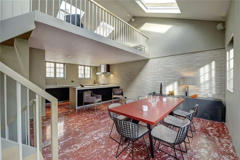 3 Bedrooms Terraced House for sale in Colville Mews, London