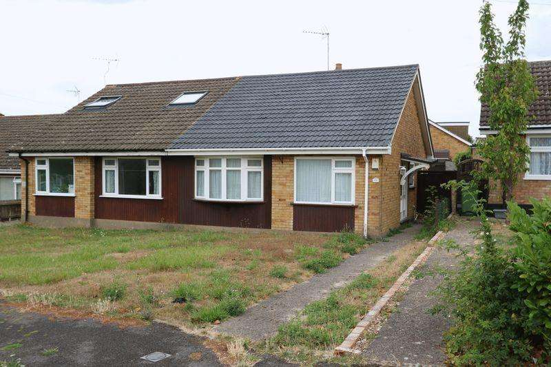 2 Bedrooms Semi Detached Bungalow for sale in Place Farm Way, Monks Risborough