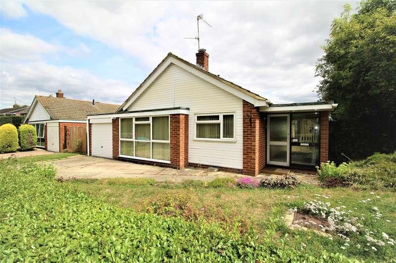 3 Bedrooms Bungalow for sale in Kennet Way, Oakley, Basingstoke, RG23