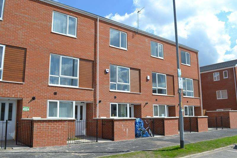 4 Bedrooms House for sale in Devonshire Street South, Grove Village, Manchester