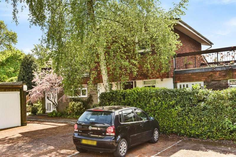 4 Bedrooms End Of Terrace House for sale in Morkyns Walk, Alleyn Park, Dulwich