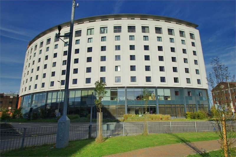 2 Bedrooms Flat for sale in Clarendon Lofts, Clarendon Road, Watford, Hertfordshire