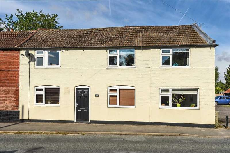 4 Bedrooms Semi Detached House for sale in High Street, Marton, DN21
