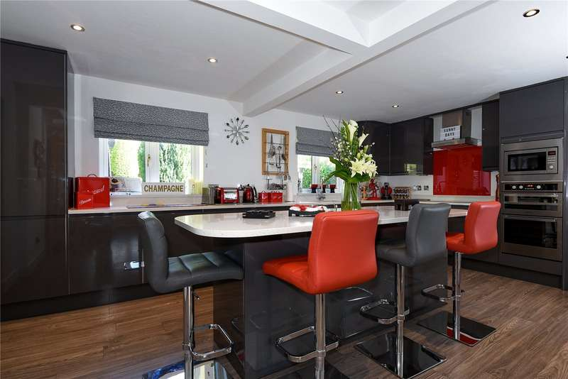 5 Bedrooms Detached House for sale in Poyle Gardens, Warfield, Berkshire, RG12