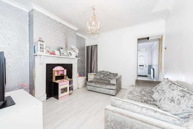 2 Bedrooms Terraced House for sale in Tavistock Street, Luton